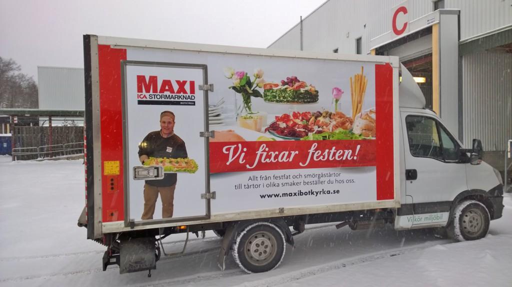 ICA_Maxibotkyrka_CateringCar_Right